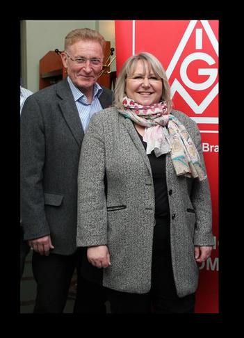 Uwe Fritsch (BR Vorsitzender bei Volkswagen) & Eva Stassek (1. Bevollmächtige der IG Metall Braunschweig) - Foto: Maik Matthias (d&d)