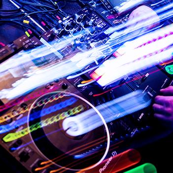 DJ Bamberg in the mix - Pioneer CDJ Setup - DJ NITRONIC