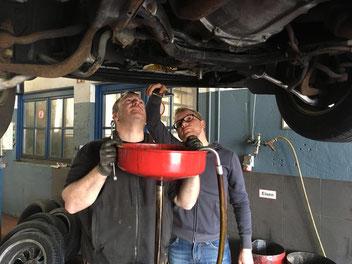 ein besonderer Dank gilt an unseren Mechaniker Markus ohne den das Auto wahrscheinlich die Ralley (nicht) geschafft hätte :)