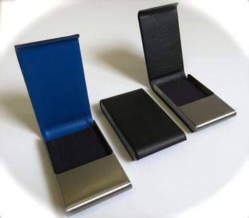 Porta tajetas en cuero azul