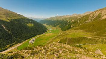 Blick ins Langtauferer Tal vom Höhenweg