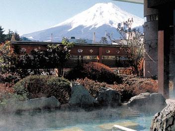 絶景の赤富士露天風呂。