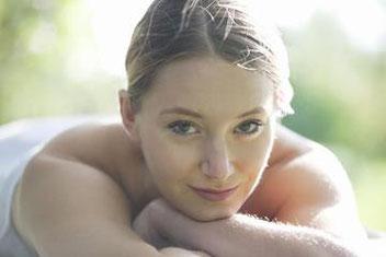 Excellence Wellness & Spa, Détente et Relaxation retrouvées. Massages Bien-être, Soin du corps et soin du visage, cosmétiques biologiques green et végan, Massage Biarritz, Anglet, Bayonne, Hendaye.