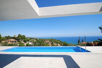 Location vacances prestige, villa haute de gamme, moderne à Begur avec vue mer