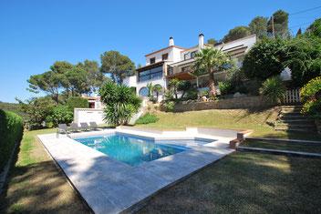 Location très belle maison pour 12 personnes avec piscine privée et grand jardin à Begur Costa Brava