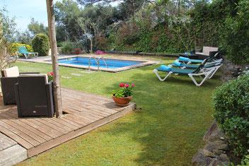 Maison de vacances à louer à Begur avec vue sur la mer et piscine privée.