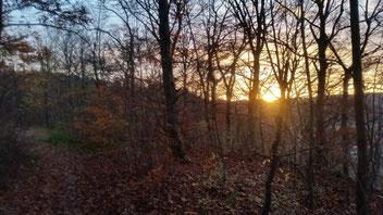 Die letzten Sonnenstrahlen beleuchten den Albaufstieg...
