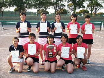 女子学校対抗優勝の太田西中