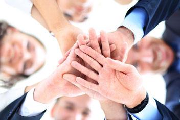 Alles für ein starkes Team. Wir helfen Teams (Arbeits-Teams, Gruppen, Familien) zu festigen, etwaige Konflikte zu klären, aufzuarbeiten und zu beseitigen