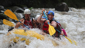 Arenal Combo Tour: Rafting + Baldi Thermal + Dinner