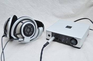 HD 800に付属する純正ケーブルでも試聴。もちろんシングルエンドでの音質もハイレベルだ。