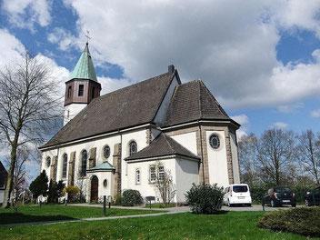 Unsere Kirche St. Josef von SO aus gesehen