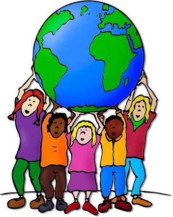 Kinder aus Bremen Nord tragen Weltkugel, Globus auf Händen