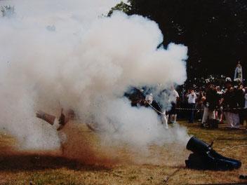 amtlicher Beschuss von Kanonen, Vorderladern und Böllern