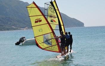 3er Surfen, kurz vor dem Dreifach-Flachköpper