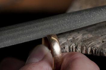 Trauringe selber schmieden bei Juwelier Dragon