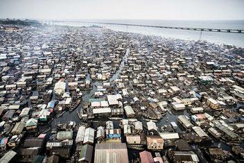 Vista di una parte dello slum di Makoko a Lagos in Nigeria