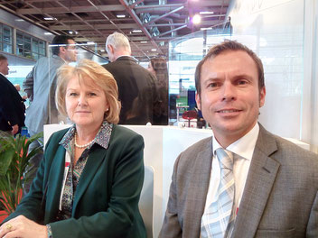 Kathleen Lesage, Regional Sales Manager France/Belgium/Spain at AA Cargo and her colleague Roger Samways, MD for global and key accounts  -  photo: ms
