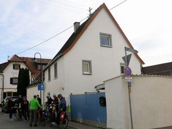 Unscheinbar: Friedrich Trumps Elternhaus steht zum Verkauf, weil der heutige Eigentümer den Medienrummel satt hat. Foto: genussradeln pfalz