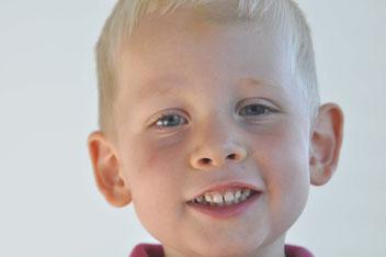 Jedes Kind hat schöne gesunde Zähne. Eltern und Prophylaxeteam helfen dabei, sie zu erhalten