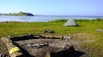 was gibt es Schöneres als Zelten mit Blick auf Burg Kalø?