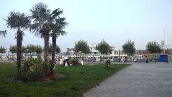 im Hafen zu Konstanz nehme ich das Wanderband wieder auf