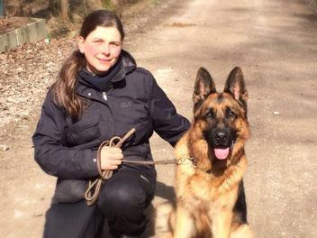 Sandra Volland Zertifizierte Problemhundetherapeutin nach SDTS® Nürnberg Neunhof