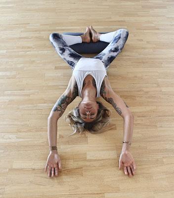 yin yoga  restorative yoga  shiryoga