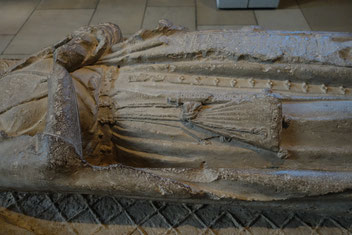 Detail: Tomb Effigy of a Lady (Margaret of Gloucester?), mid 13th century, Normandy, MET Cloisters. Photo: Nina Möller