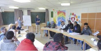 Flüchtlings-Gruppe beim Deutschkurs in St. Thomas Morus // Foto: Heinl