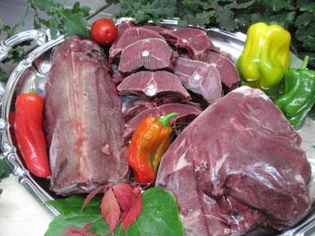 Rehrücken, Rehkeule, Rehrücken-Steaks: Wild aus dem Sauerland