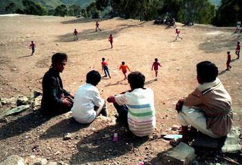 der Dorfplatz von Manacha war gleichzeitig auch der Fussball-Platz