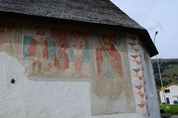 Fresken an der Aussenwand der Kapelle St. Jakob, Brigels