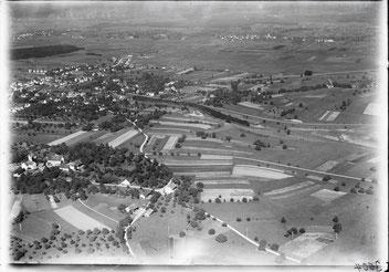 Dübendorf, historisches Luftbild von 1923, aufgenommen aus 500 Metern Höhe   // Foto: wikimedia/ETH Bibliothek/ Walter Mittelholzer