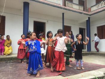Schulkinder der Kulmaya Schule in Dadhikot