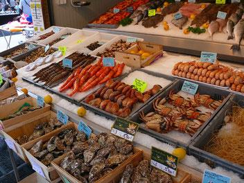 Crabe, Langoustines, bouquet, huitres, palourdes, praires, coques, bar, rouget, sole, maquereau,raie, daurade
