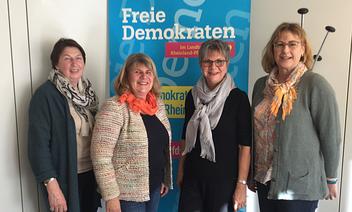 v. l. n. r. : Silvia Enders, Ursula Braunewell (Vors.), Helga Lerch (MdL) u. Irene Frick