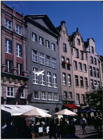 Faltin-Haus (graues Haus) Langasse 62 in Danzig (Dank an Harry Schwethelm für das Bild)