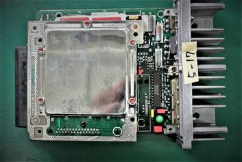 フォルクスワーゲン ヴァナゴン T3 エンジンコンピュータユニット