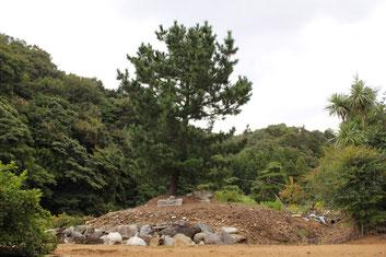前田利治の灰塚 - 大聖寺十万石...