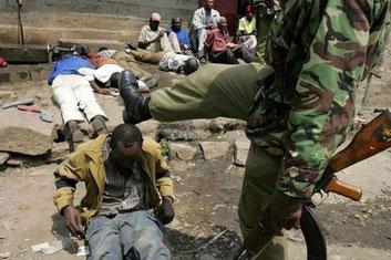 Un altro esempio di brutalità da parte della polizia del Kenya