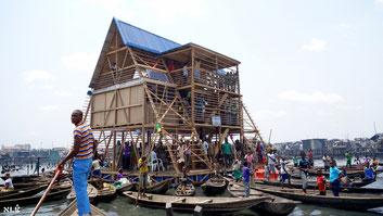 La scuola galleggiante di Makoko premiata il 28 maggio 2016 con il Leone d'Argento, alla Mostra Internazionale di Architettura della Biennale di Venezia