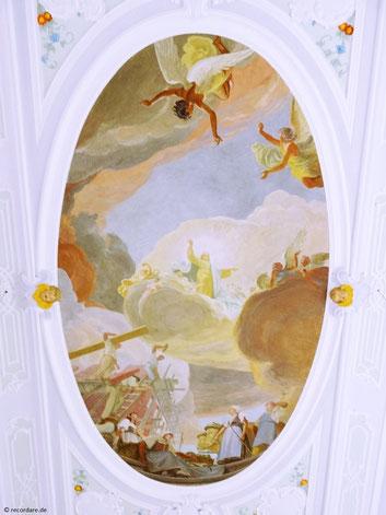 """Deckenfresko """"Die Himmelfahrt Mariens"""" von Fritz Bayerlein"""