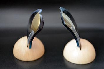 【同度数 厚み比較】左:ノーマル加工、右:WLTデザイン