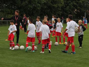 FCK-FUSSBALLCAMP 2015 in Eppelsheim (Quelle: www.fck.de)