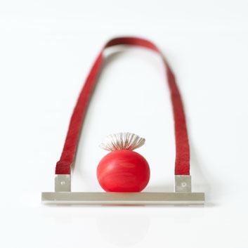 rote Halskette von Marta Edocs - Atelier STOSSIMHIMMEL