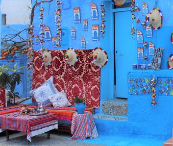 撮影の合間に、こんな素敵な「青空カフェ」で、ちょこっと休憩しましょうね♪