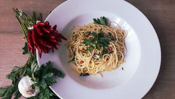Rezept: Spaghetti aglio, olio e peperoncini
