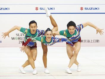 シニアトリオ準優勝の(左から)斉藤・北爪・金井
