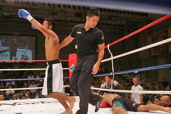 神戸翔太逆転KO勝ちの瞬間